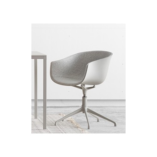 chaise pivotante bai swivel chair de ondarreta depot design. Black Bedroom Furniture Sets. Home Design Ideas